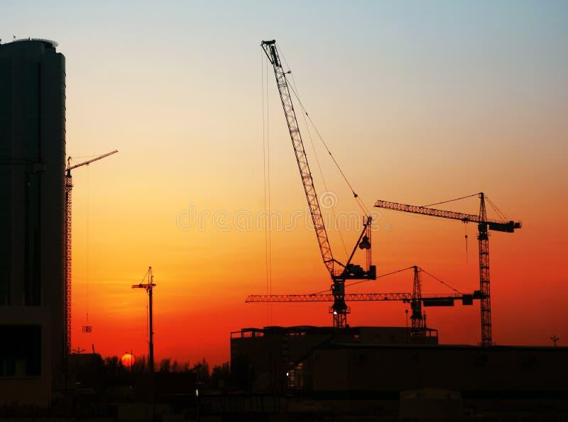 заход солнца строительной площадки стоковая фотография rf