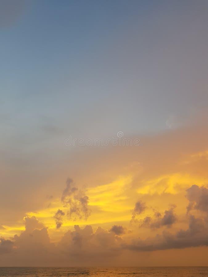 Заход солнца сумерек на море в океане Andaman/предпосылке захода солнца/текстуре неба/фотографии ландшафта стоковые фото