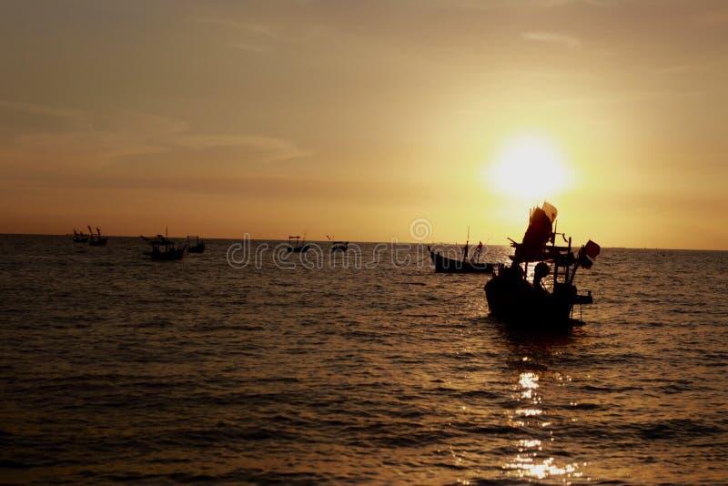 заход солнца Таиланд phuket острова пляжа тропический Таиланд стоковые изображения