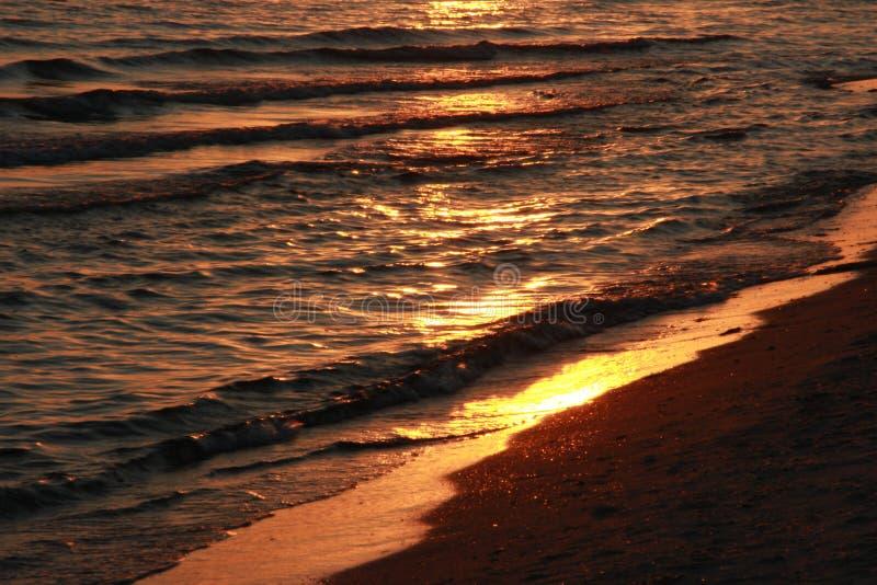 Заход солнца черное море Вертел Kinburn Пляж Вода Брайна стоковое фото