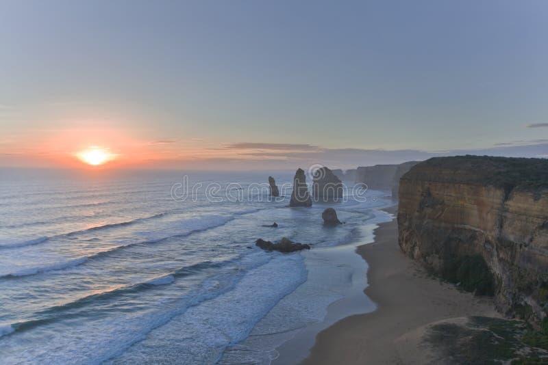 заход солнца 12 апостолов стоковое изображение rf