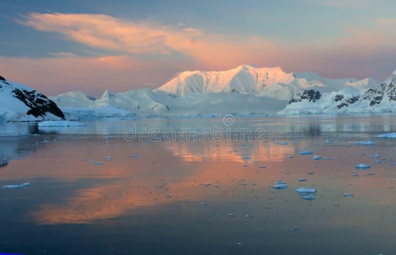 заход солнца alpenglow стоковые изображения