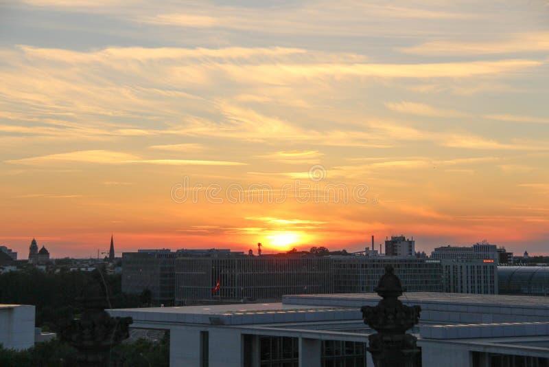 заход солнца berlin стоковые фотографии rf