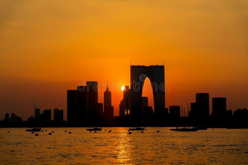 Заход солнца Jinjihu, на Сучжоу стоковое фото rf