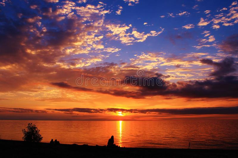 Заход солнца Lake Erie стоковые фото