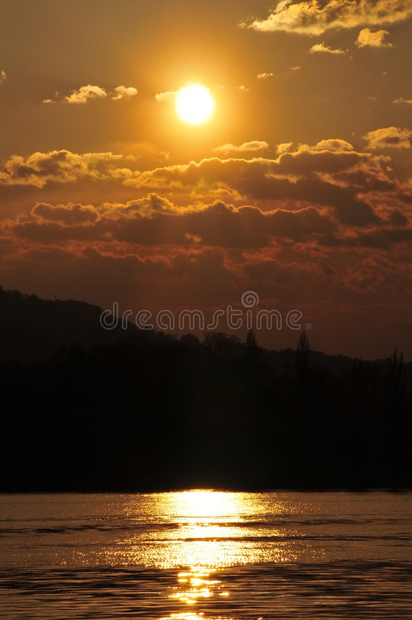 заход солнца lucerne озера стоковое изображение