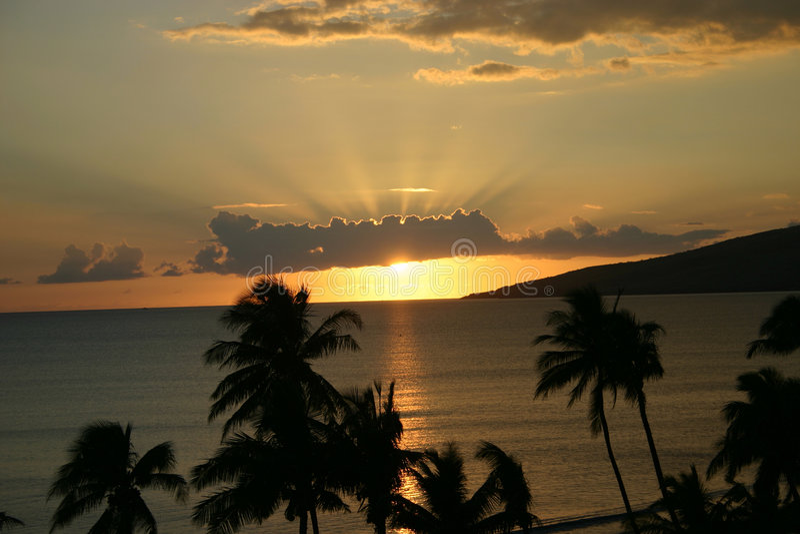 заход солнца maui стоковое фото