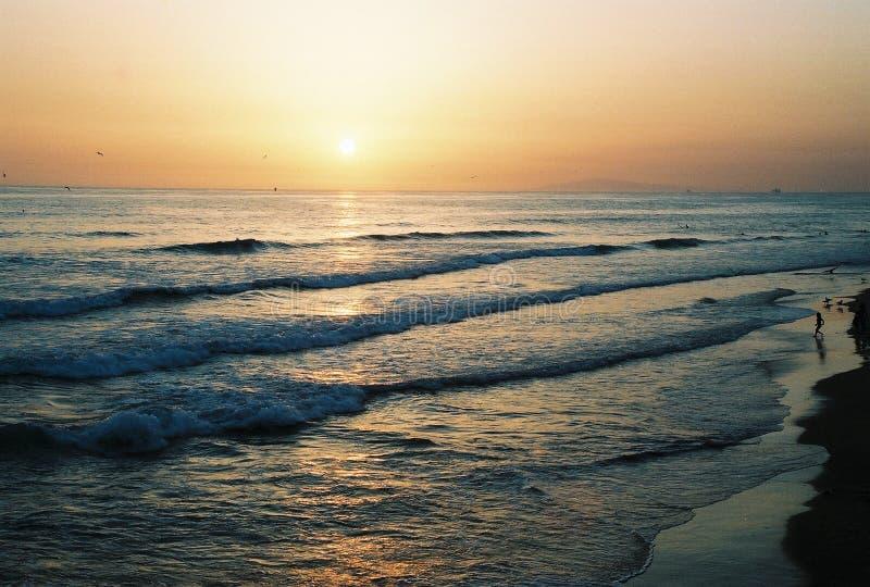 заход солнца newport стоковое изображение rf