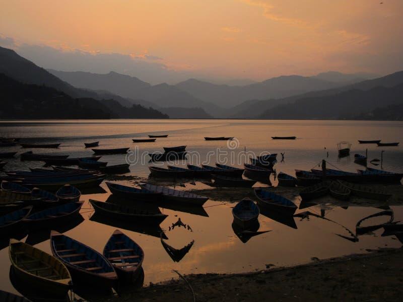 заход солнца pokhara стоковое изображение