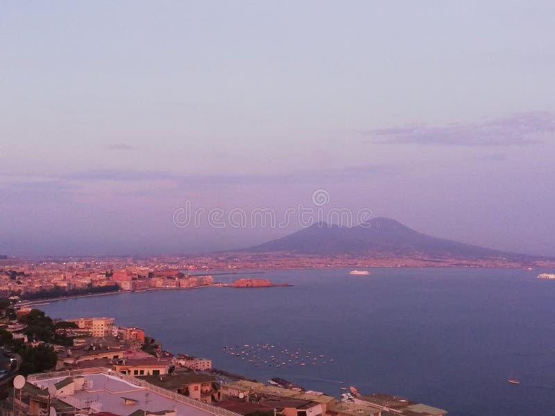 Заход солнца Res Неаполь Неаполь Италии стоковые изображения rf
