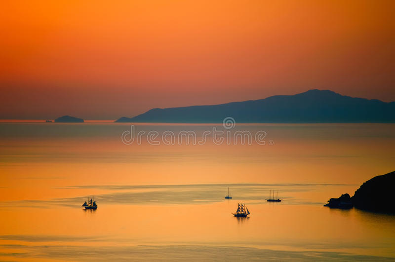 заход солнца santorini стоковые фотографии rf