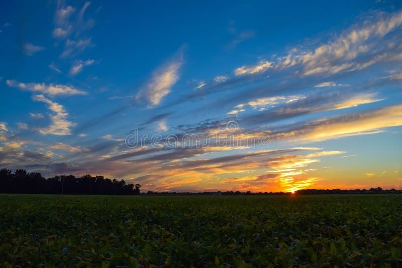 Заход солнца Skyscape стоковое изображение rf