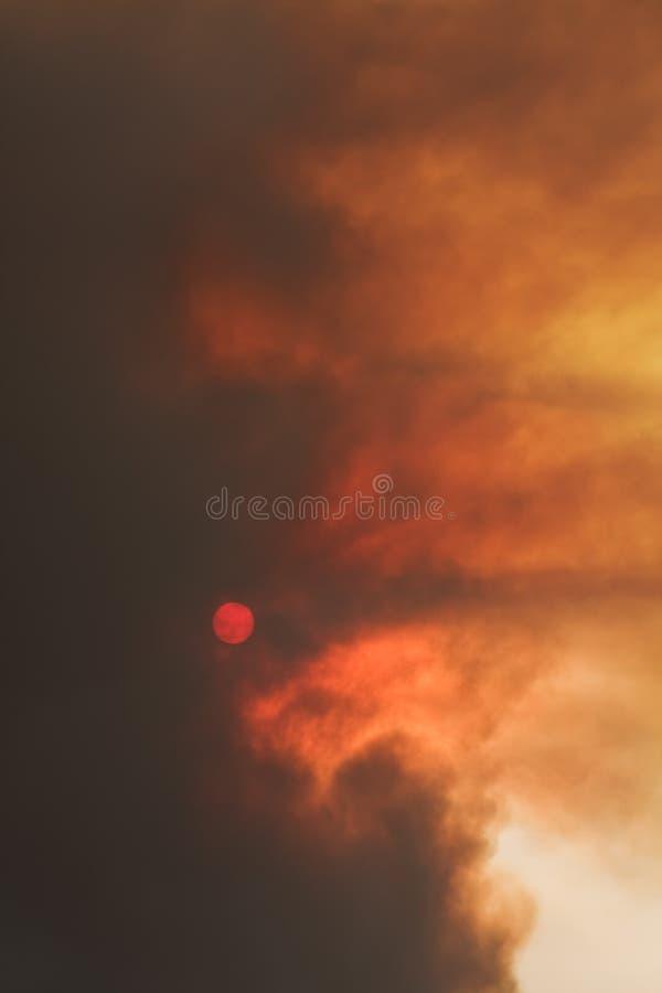 заход солнца smokey стоковые изображения