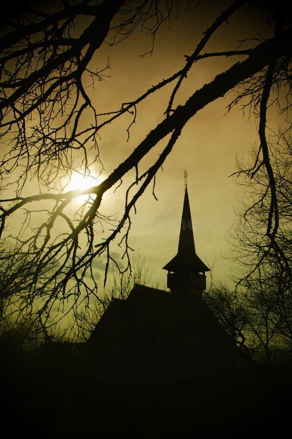 заход солнца transylvania земли s Дракула церков стоковое фото rf
