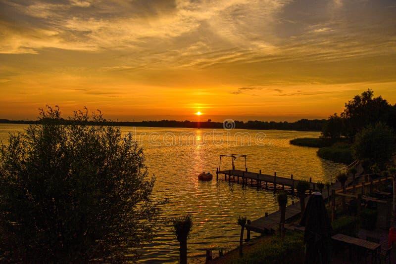 Заход солнца Veluwemeer стоковое фото