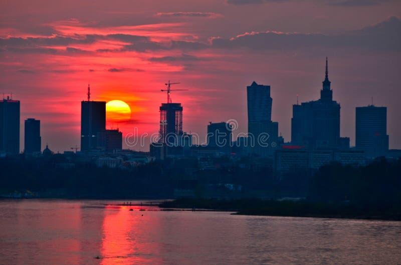 Заход солнца Варшавы городской стоковые изображения rf