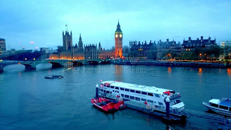 Заход солнца взгляда Лондона стоковая фотография rf