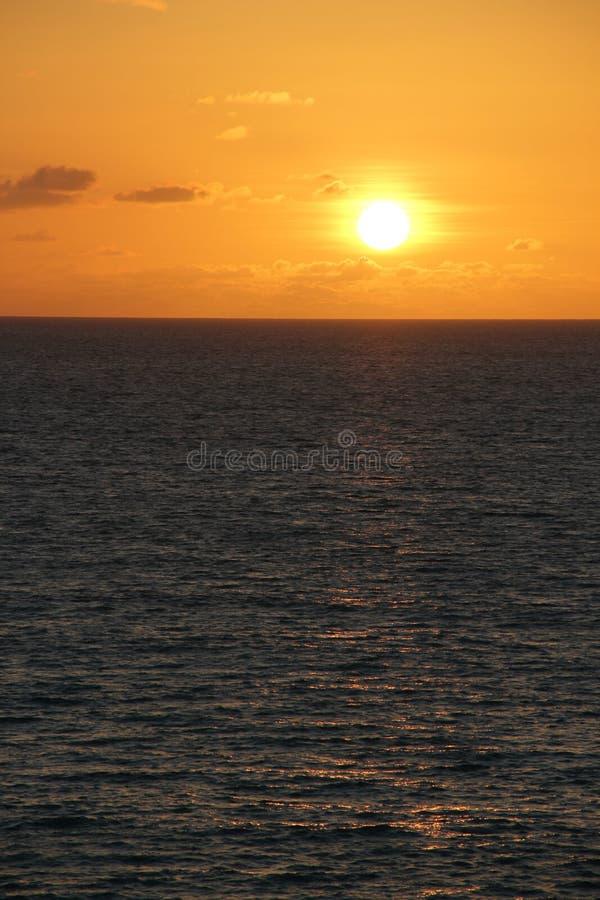 Заход солнца в Антигуе & Барбуде стоковые изображения