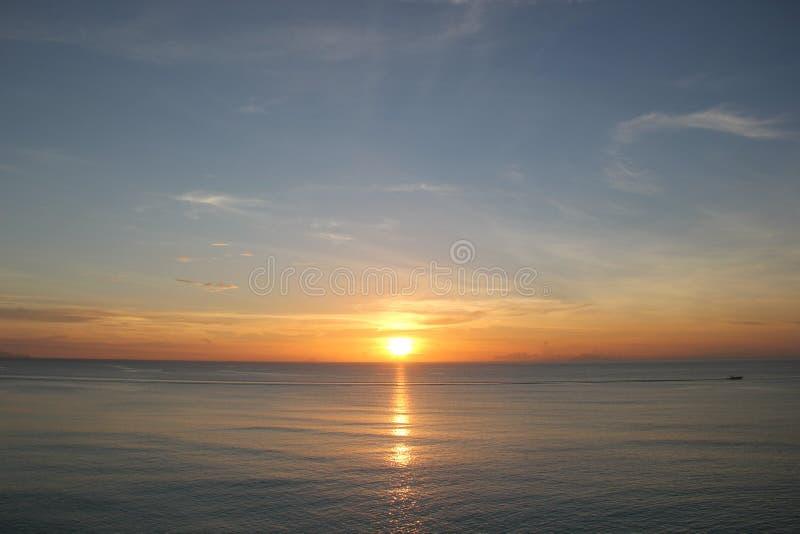 Заход солнца в Антигуе & Барбуде стоковое изображение