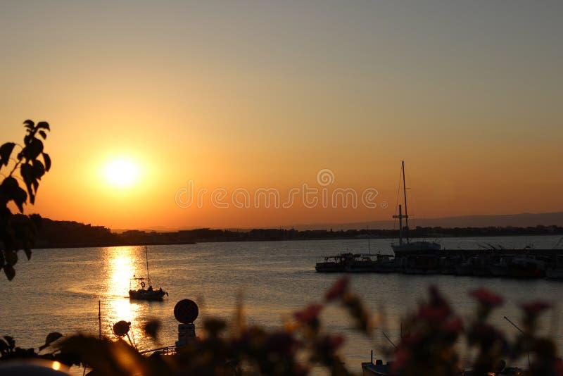 Заход солнца в Болгарии стоковые изображения rf