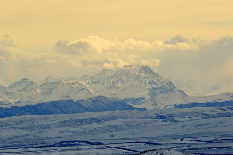 Заход солнца в горах, северный Кавказ, Pyatigorsk, Россия стоковые фотографии rf