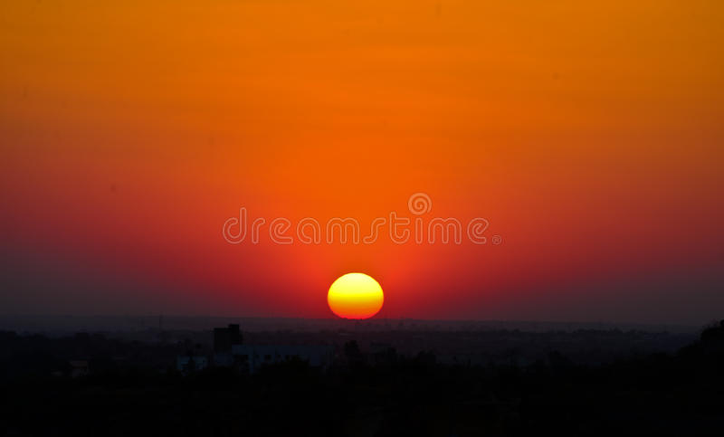 Заход солнца в Индии стоковая фотография
