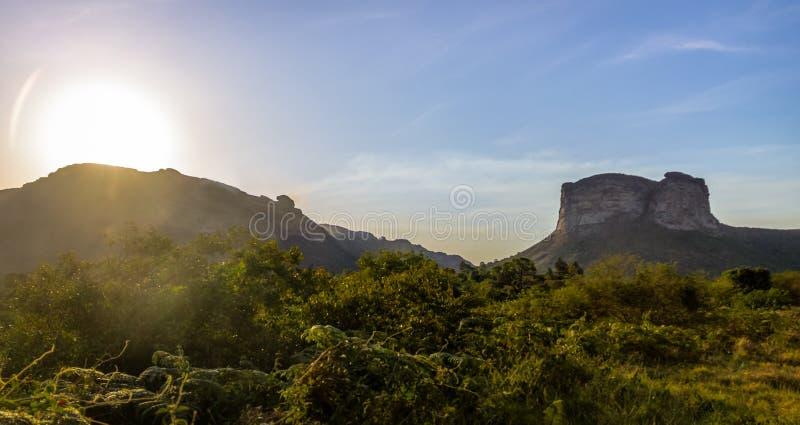 Заход солнца в национальном парке Chapada Diamantina - Бахи, Бразилии стоковые изображения
