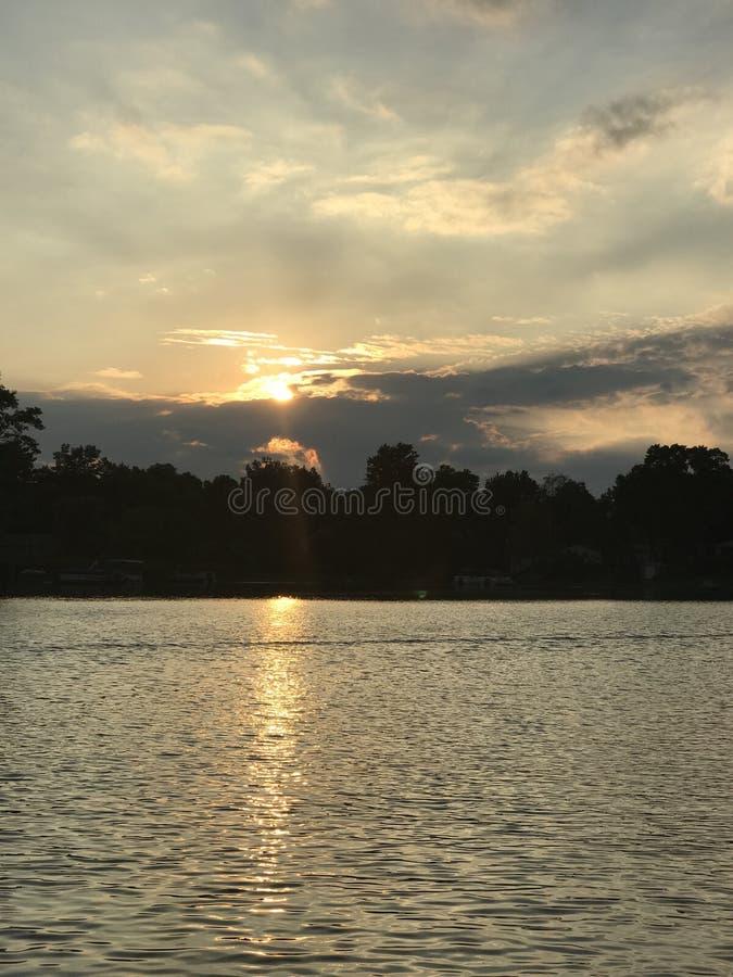 Заход солнца в октябре стоковое изображение rf