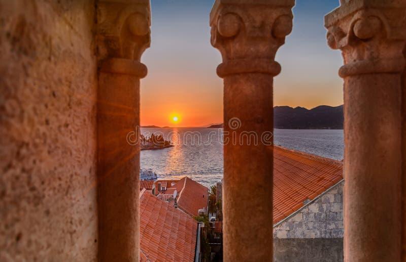 Заход солнца в острове Korcula, Хорватии стоковое изображение