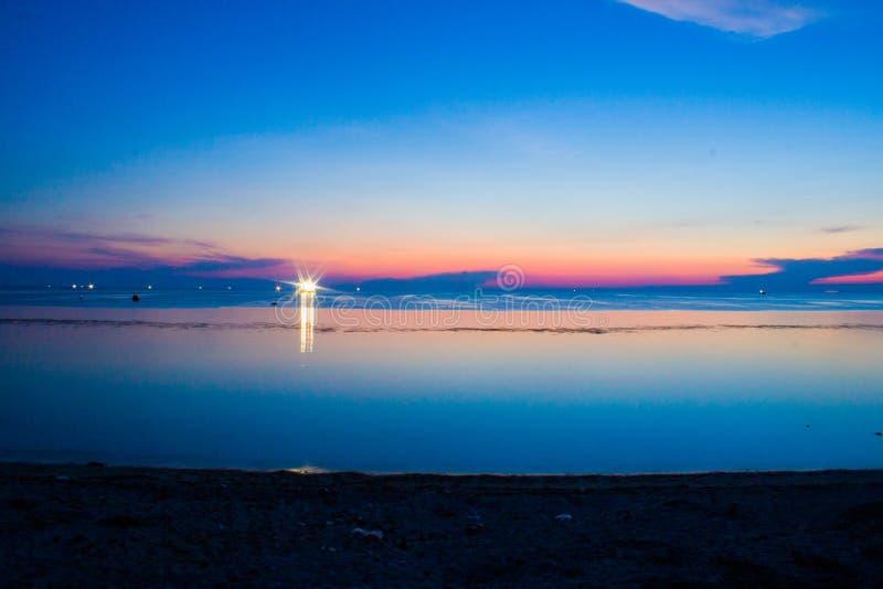 Заход солнца в острове Phu Quy стоковая фотография rf
