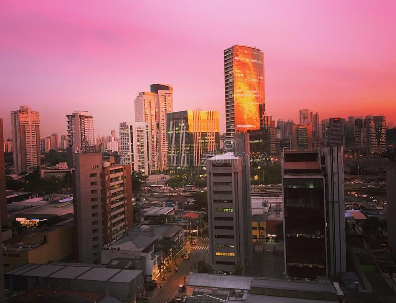 Заход солнца в Сан-Паулу стоковые фотографии rf