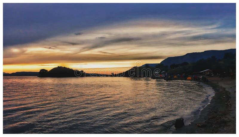 Заход солнца в Суматре стоковые фотографии rf