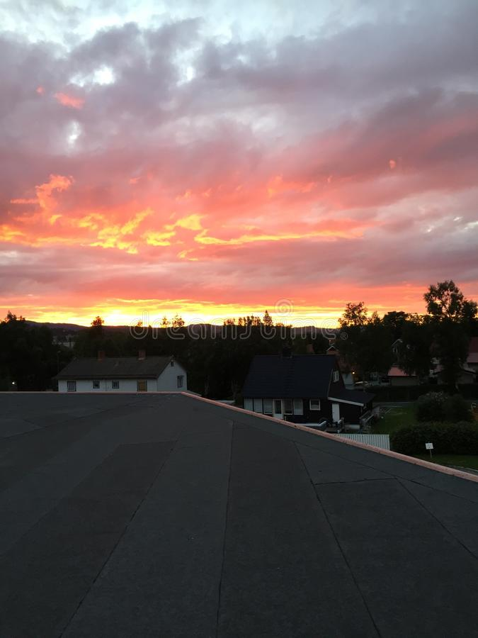 Заход солнца в Тронхейме, Норвегии стоковая фотография