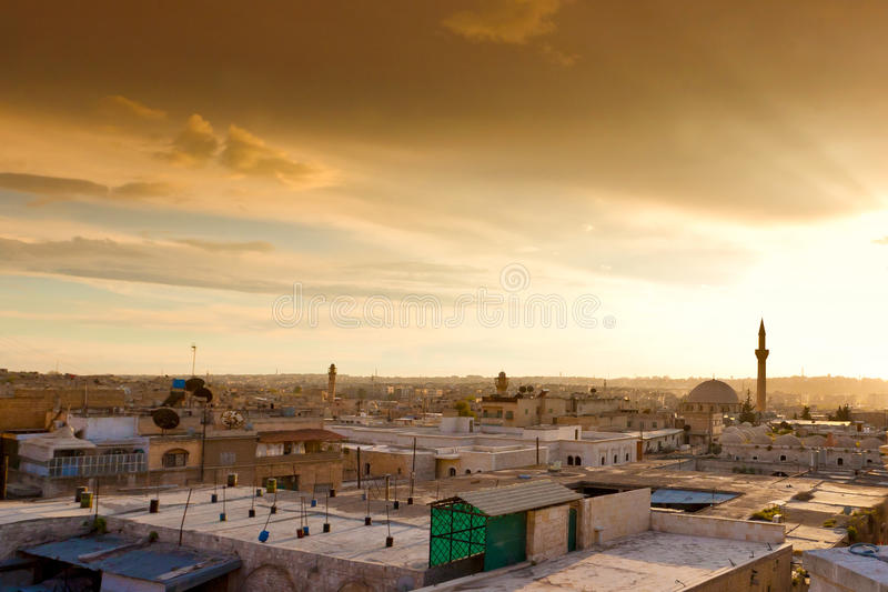 Заход солнца в Халебе Сирии прямо прежде гражданской войны в 2011 стоковое изображение rf