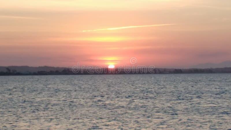 Заход солнца в Búzios/RJ стоковое изображение