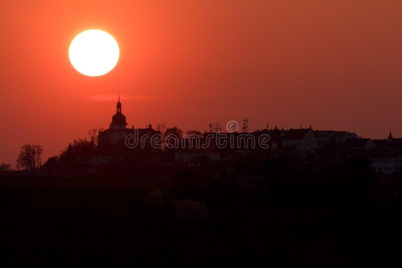 Заход солнца в Benatky nad Jizerou стоковые изображения rf