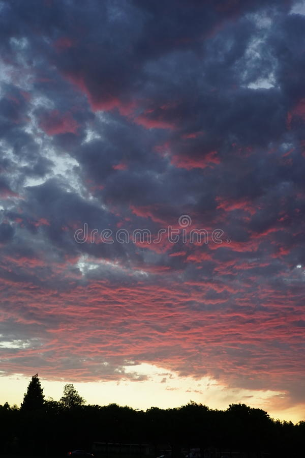 Заход солнца в cupertino стоковое фото rf
