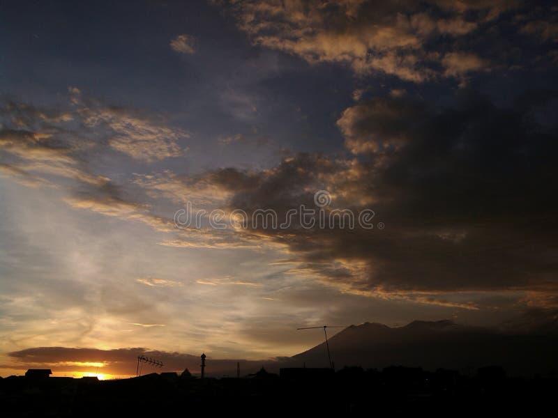 Заход солнца в malang стоковые фотографии rf
