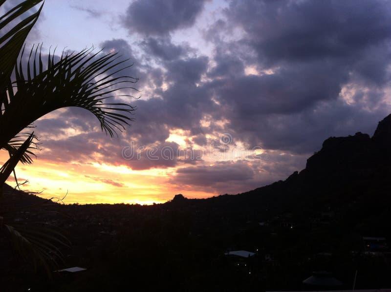 Заход солнца в Tepoztlan, Morelos, Мексике стоковая фотография