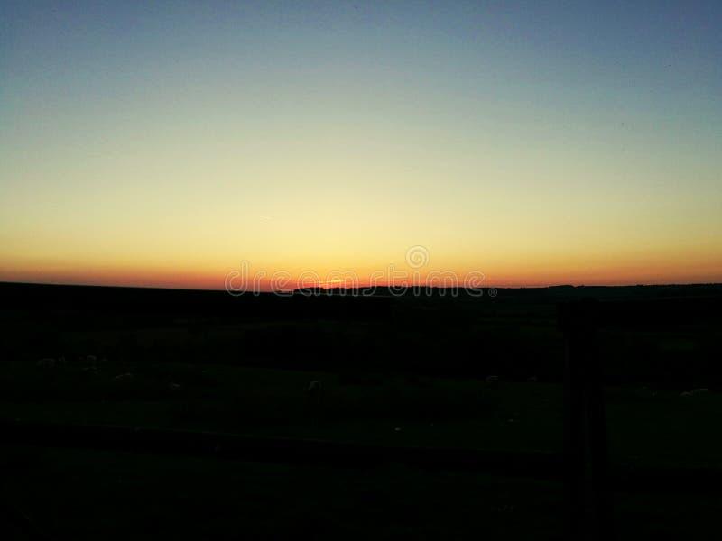 Заход солнца где-то в Англии стоковое изображение