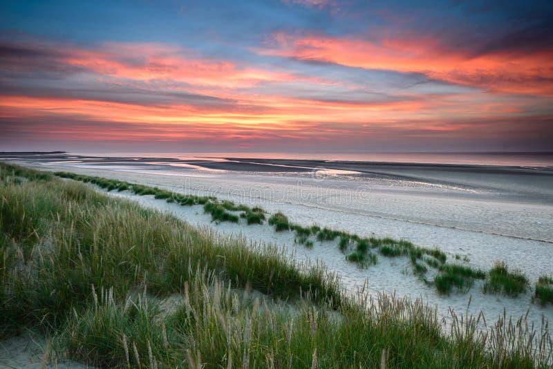 Заход солнца залива Holkham в Норфолке стоковая фотография rf
