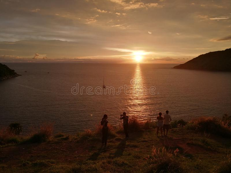 Заход солнца и вид на море в Пхукете стоковая фотография rf