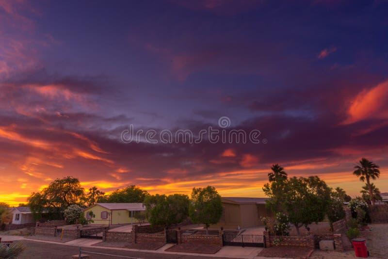 Заход солнца много красивого цветов стоковое изображение rf
