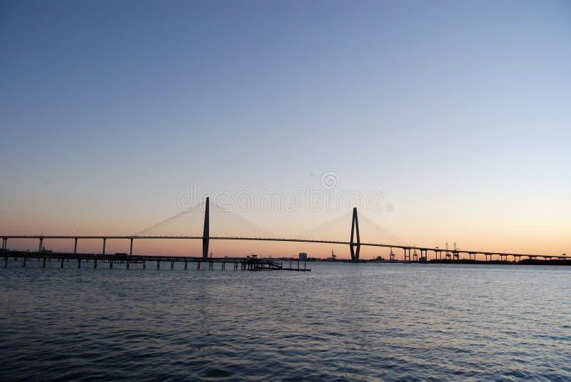 Заход солнца 2 моста реки бондаря стоковое изображение