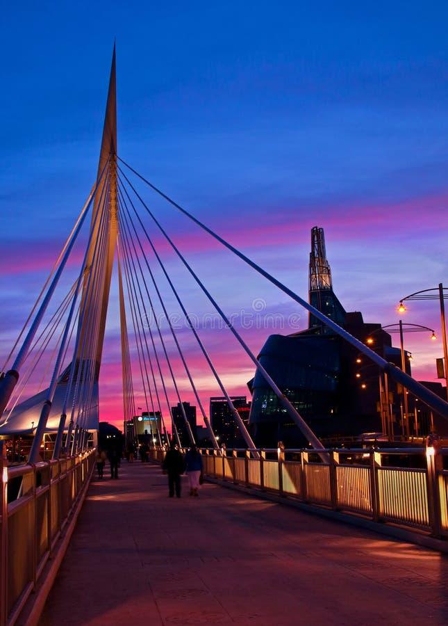 Заход солнца мостом стоковое изображение