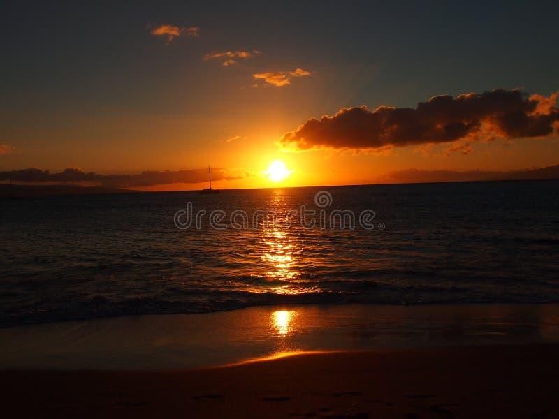 Заход солнца над водами Мауи стоковое изображение rf