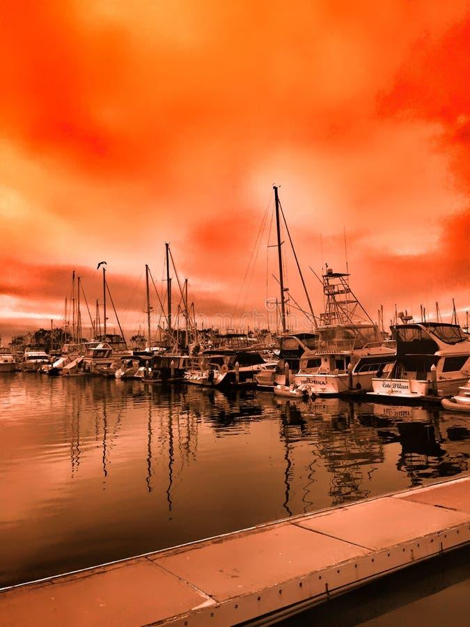Заход солнца над гаванью в Dana Point стоковое фото rf