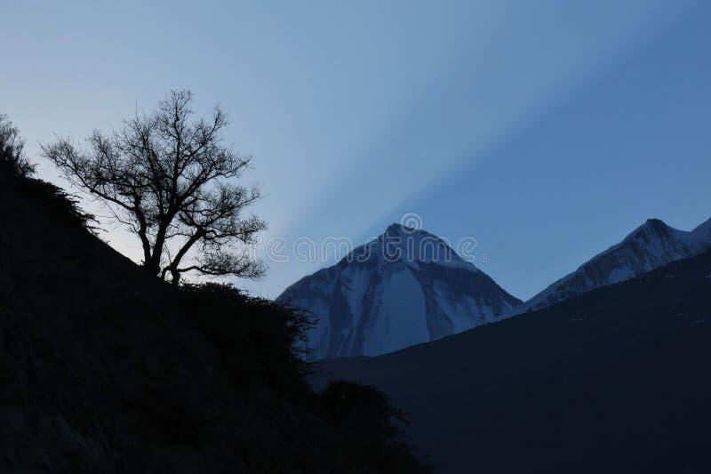 Заход солнца над держателем Dhaulagiri стоковые фотографии rf