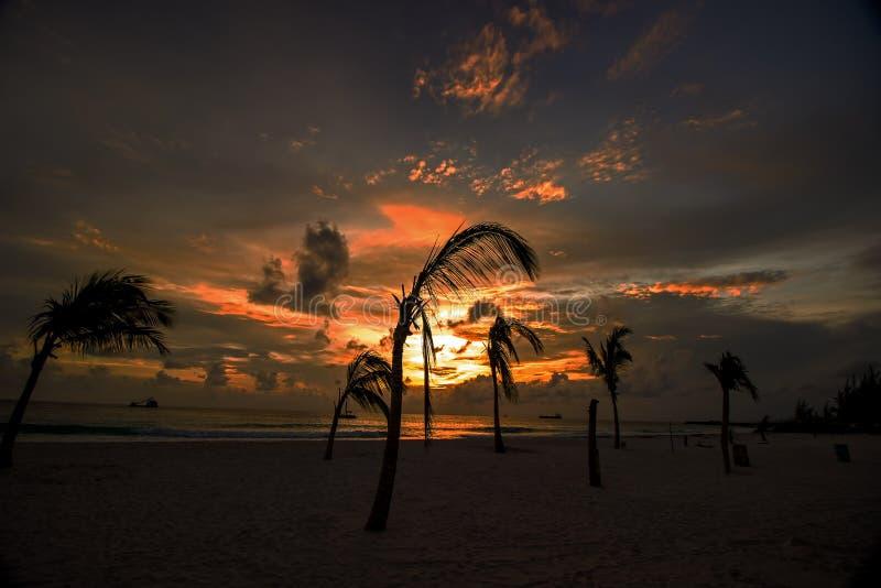 Заход солнца на западном побережье Барбадос стоковое фото