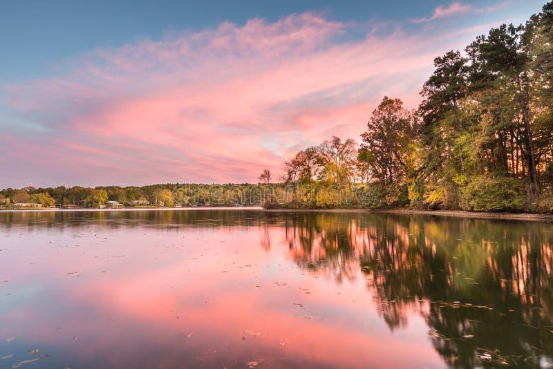 Заход солнца на озере Гамильтон в Арканзасе стоковая фотография